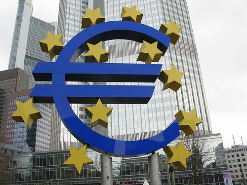What is the future of the euro? Establishment of ECB (European Central Bank) to quantitative easing