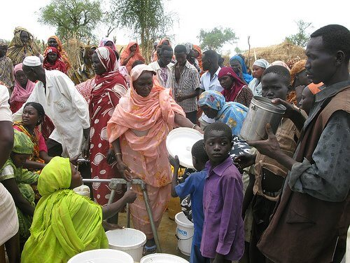 From South Sudan's independence to civil war. Relations, ethnic conflicts involve oil interests